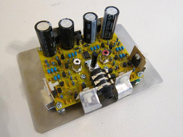 gilberd headphone amplifier rh web jfet org Compact Stereo Amplifier Headphone Tube Amplifier